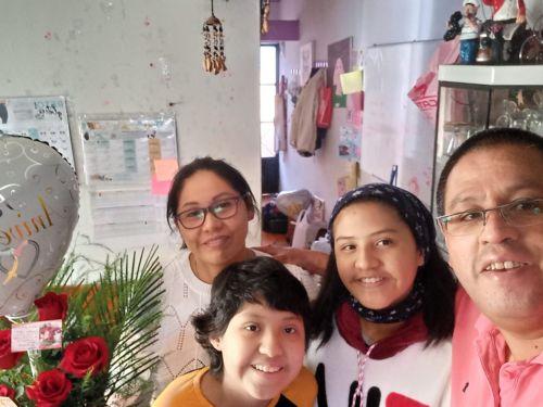 Cuando terminé todos mis bloques de quimioterapia, me dieron de alta. A mi regreso a Huancayo, mi hermanita me organizó una hermosa bienvenida.