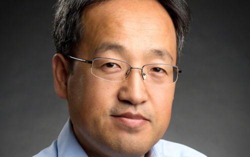 Portrait of Yongqiang Feng