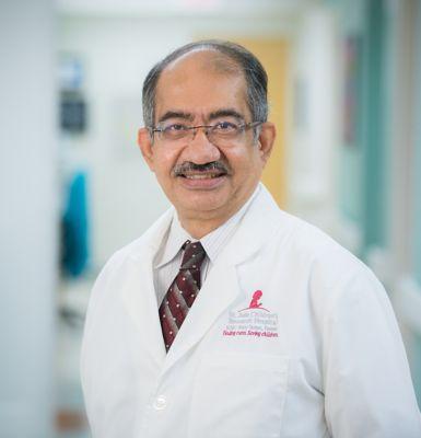 Comprehensive Cancer Center Leadership