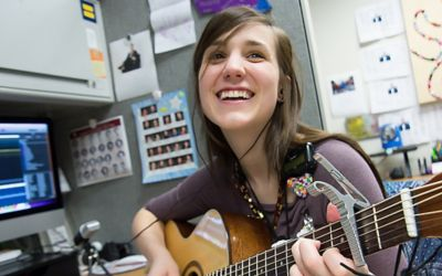 Music therapy program goes digital to reach quarantined patients
