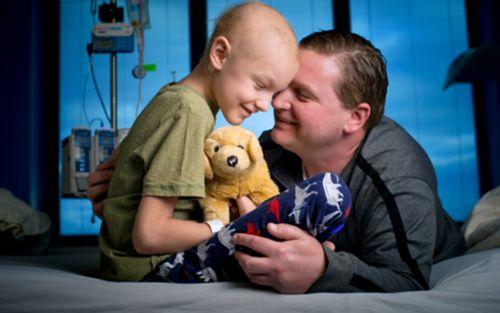 कैंसर के बारे में अपने बच्चे से बात करना