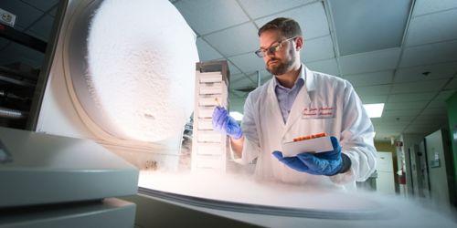 Paul Thomas working in lab
